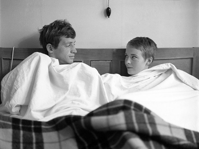 jean-paul-belmondo-jean-seberg-on-the-set-of-c3a0-bout-de-souffle
